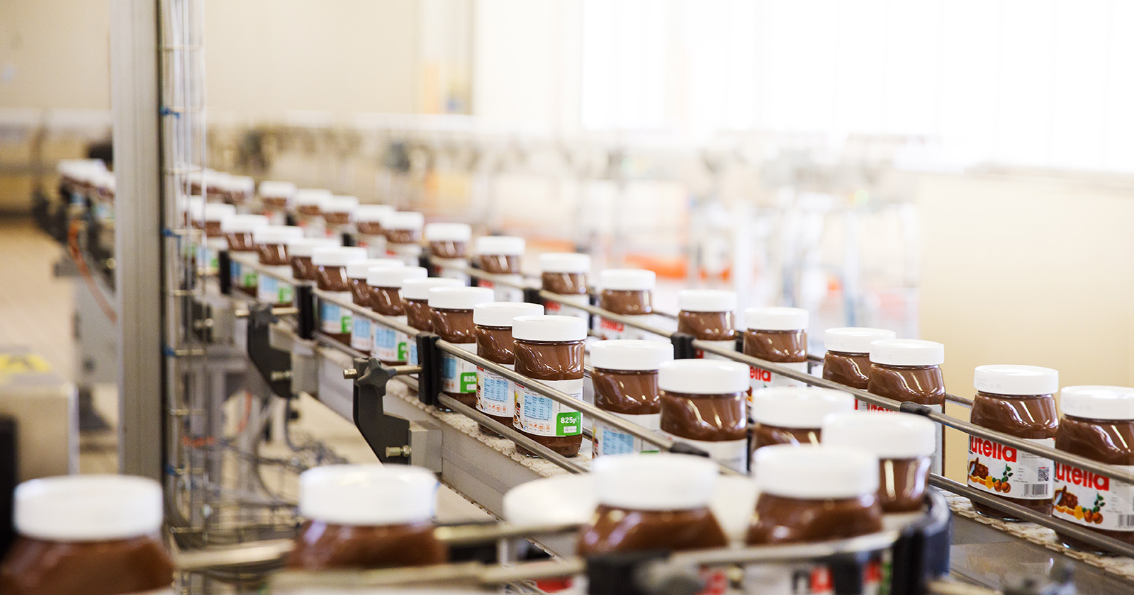 Linea di produzione della Nutella®.